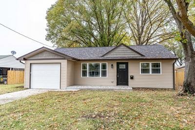 7105 BETSY ROSS DR, Louisville, KY 40272 - Photo 2