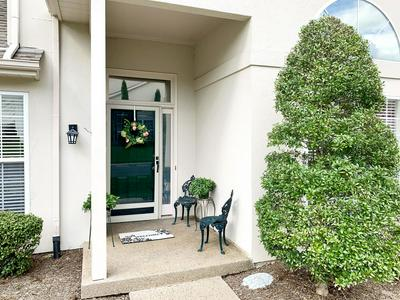 14026 WATERS EDGE DR, Louisville, KY 40245 - Photo 2