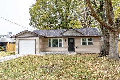 7105 BETSY ROSS DR, Louisville, KY 40272 - Photo 1