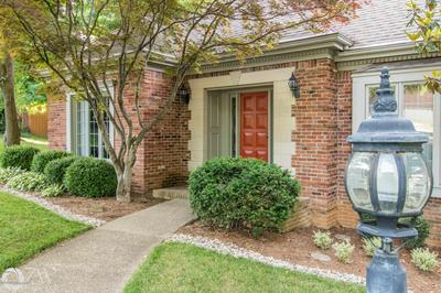 10703 BOXWOOD HILL CT, Louisville, KY 40223 - Photo 1