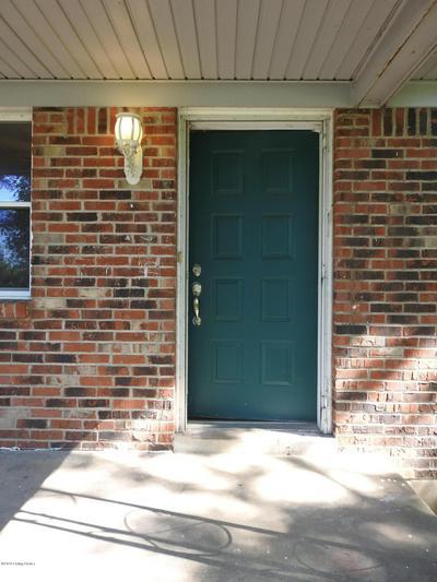 705 CHARLENE DR, Vine Grove, KY 40175 - Photo 2