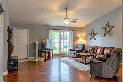 153 LINCOLN STATION DR, Simpsonville, KY 40067 - Photo 2