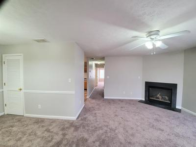 407 ROSEWOOD CT, Louisville, KY 40223 - Photo 2