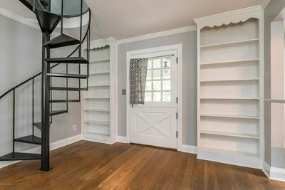 4005 SPRINGHILL RD, Louisville, KY 40207 - Photo 2