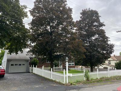 28 VAN WOERT CT, Wynantskill, NY 12198 - Photo 2