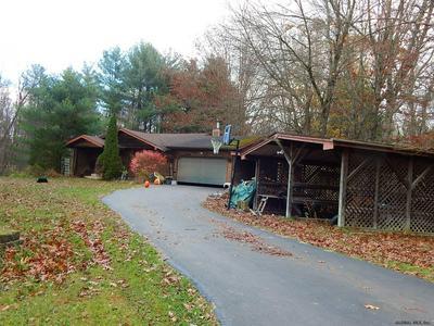 152 HAYES RD, Schuylerville, NY 12871 - Photo 2