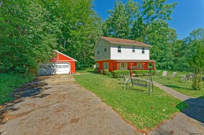 6067 VEEDER RD, Slingerlands, NY 12159 - Photo 1