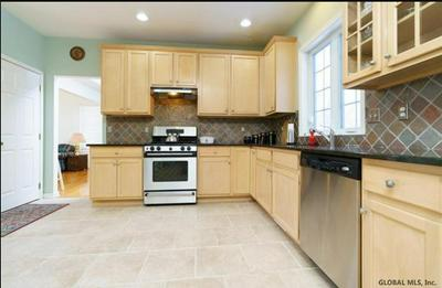 7 CLEAR WATER CT, Clifton Park, NY 12065 - Photo 2