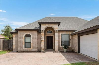 421 HAPPY VALLEY DR, Edinburg, TX 78539 - Photo 2