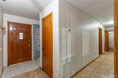3201 HUMMINGBIRD AVE, McAllen, TX 78504 - Photo 2