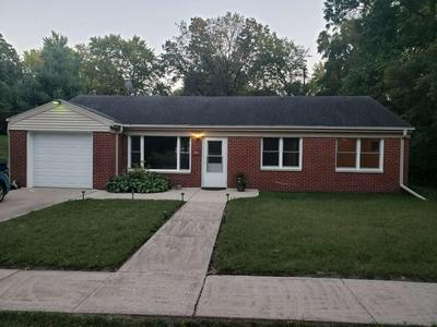 223 8TH AVE NW, DeMotte, IN 46310 - Photo 1