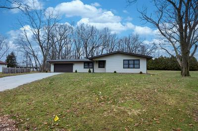 2757 FARMLAND CT, VALPARAISO, IN 46383 - Photo 2