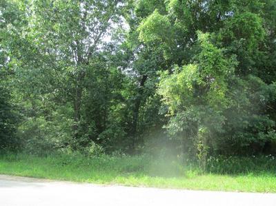 5724 SANDSTONE DR, Wheatfield, IN 46392 - Photo 1