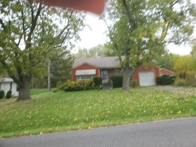 8217 CLAY ST, Merrillville, IN 46410 - Photo 2