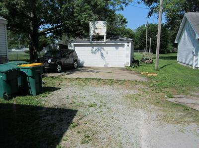 7714 INDEPENDENCE ST, Merrillville, IN 46410 - Photo 2