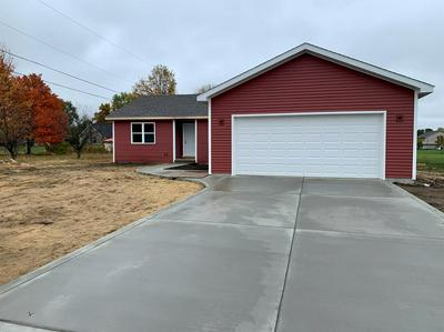 925 4TH AVE NW, DeMotte, IN 46310 - Photo 1