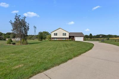 507 CARRIAGE LN, Westville, IN 46391 - Photo 2