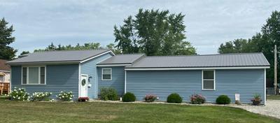 416 W ADAMS ST, Winamac, IN 46996 - Photo 1