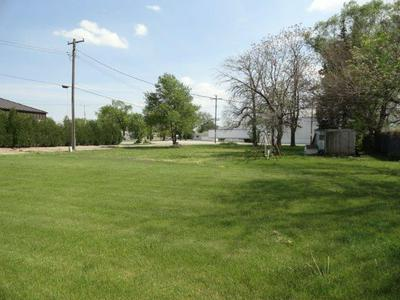 214 W DIVISION ST, Remington, IN 47977 - Photo 1