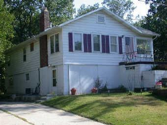 827 N WARREN ST, Gary, IN 46403 - Photo 1