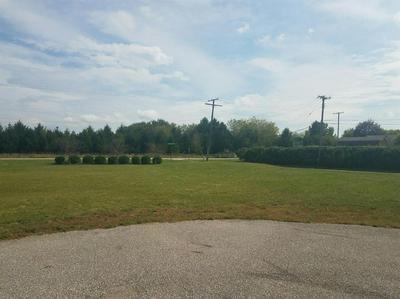 309 EASTMEARE ST, Kentland, IN 47951 - Photo 2