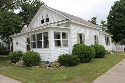 127 W LINCOLN AVE, TOMAHAWK, WI 54487 - Photo 1