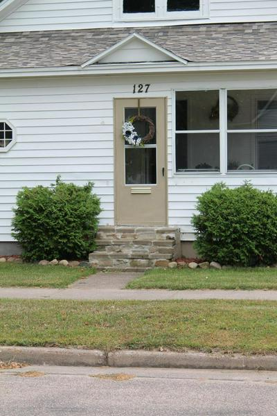 127 W LINCOLN AVE, TOMAHAWK, WI 54487 - Photo 2