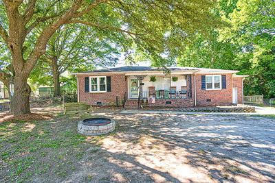 505 CAMBRIDGE AVE W, Greenwood, SC 29646 - Photo 1