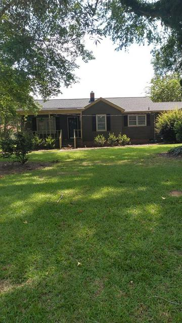 320 ROSWELL RD, Greenwood, SC 29646 - Photo 1