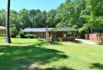 810 COKESBURY ST, Greenwood, SC 29649 - Photo 2