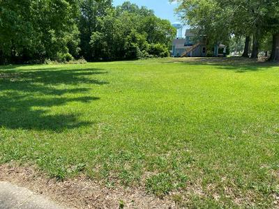 1075 PHOENIX ST, Greenwood, SC 29646 - Photo 2