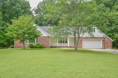 207 FAWN BROOK DR, Greenwood, SC 29646 - Photo 2