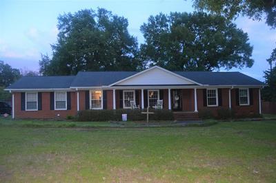 204 BELLE MEADE RD, Greenwood, SC 29649 - Photo 1