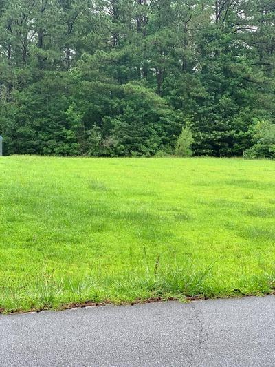 114 AVONDALE RD, Greenwood, SC 29649 - Photo 2