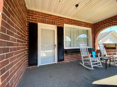 109 SUMMIT ST, Greenwood, SC 29649 - Photo 2