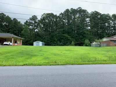 114 AVONDALE RD, Greenwood, SC 29649 - Photo 1