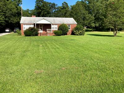 111 SNYDER RD, Greenwood, SC 29646 - Photo 1