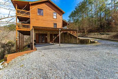 2613 WILLOW HEIGHTS WAY, Sevierville, TN 37876 - Photo 2