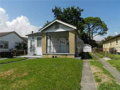 4042 PIEDMONT DR, New Orleans, LA 70122 - Photo 1