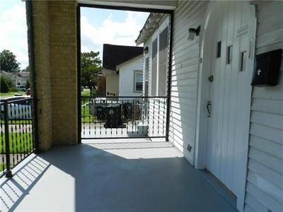 4042 PIEDMONT DR, New Orleans, LA 70122 - Photo 2