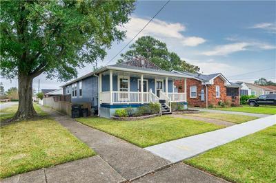 419 WARRINGTON DR, New Orleans, LA 70122 - Photo 2