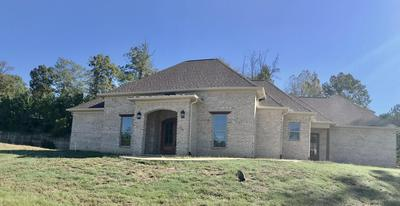 110 BELLE VALLEE DR, Columbus, MS 39705 - Photo 1