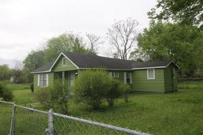2215 10TH AVE S, COLUMBUS, MS 39701 - Photo 1
