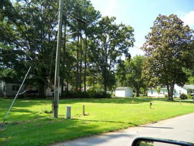 206 E SOUTH ST, Fremont, NC 27830 - Photo 2