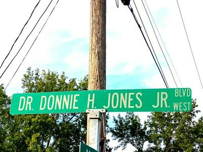 506 DOCTOR DONNIE H JONES JR BLVD W, Princeton, NC 27569 - Photo 2