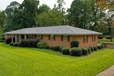104 EDGEWOOD RD, Glennville, GA 30427 - Photo 1