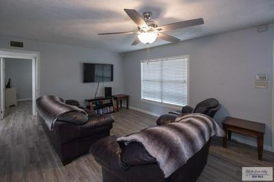 202 WILLIAMSON AVE, Harlingen, TX 78550 - Photo 2