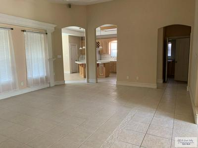 733 COUNTRY DR, Harlingen, TX 78550 - Photo 2