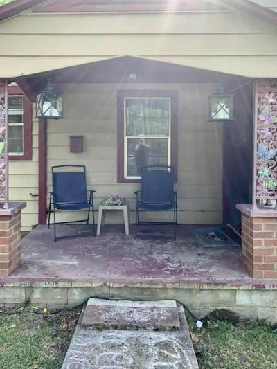 1834 SHORT 3RD AVE, Laurel, MS 39440 - Photo 1