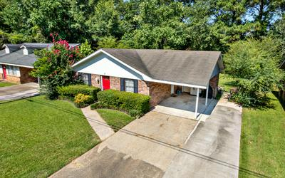 127 FOX RUN DR, Hattiesburg, MS 39402 - Photo 2